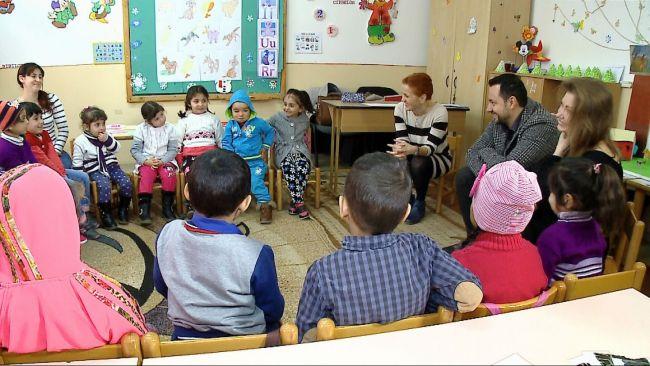 catalin-maruta-ndash-profesor-pentru-o-zi-in-cadrul-programului-fiecare-copil-in-gradinita_size7